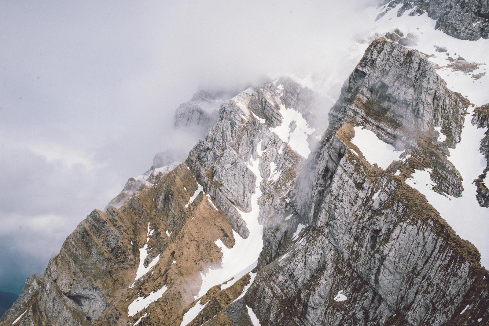 Alpen wir kommen (Photo by Nina Strehl on Unsplash)